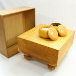 【中古】本榧(日本産)碁盤5寸木裏 碁石+碁笥+樅製盤覆い付セット