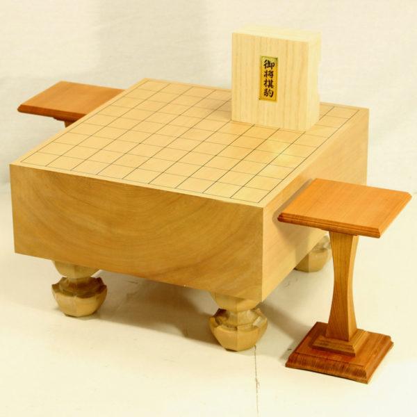 本桂将棋盤40号 駒・白椿上彫+駒台一本足