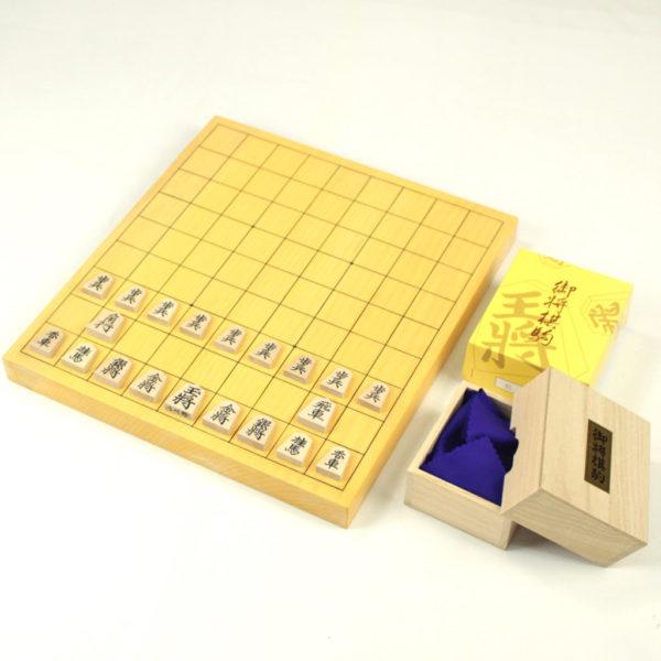 本榧(日本産)将棋盤10号(1寸)柾目 + 将棋駒(楓上彫)セット