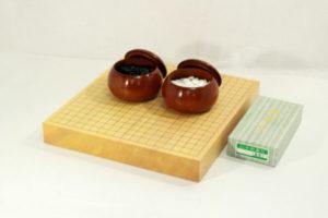 新榧碁盤20号卓上セット(新桜碁笥+ガラス碁石梅)