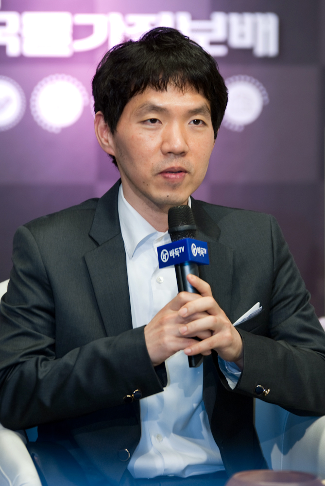 李昌鎬ㆍ申眞諝、新型コロナウィルス被害復旧義捐金それぞれ1000万ウォンずつ寄付