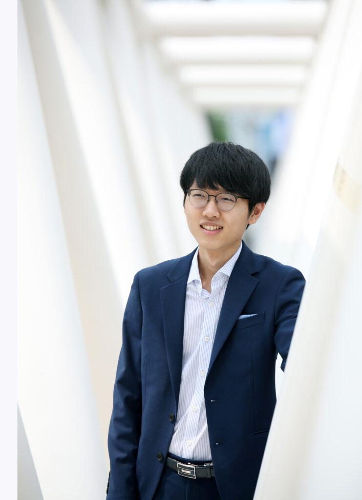 申真諝、囲碁有望株のための奨学金500万ウォン寄託